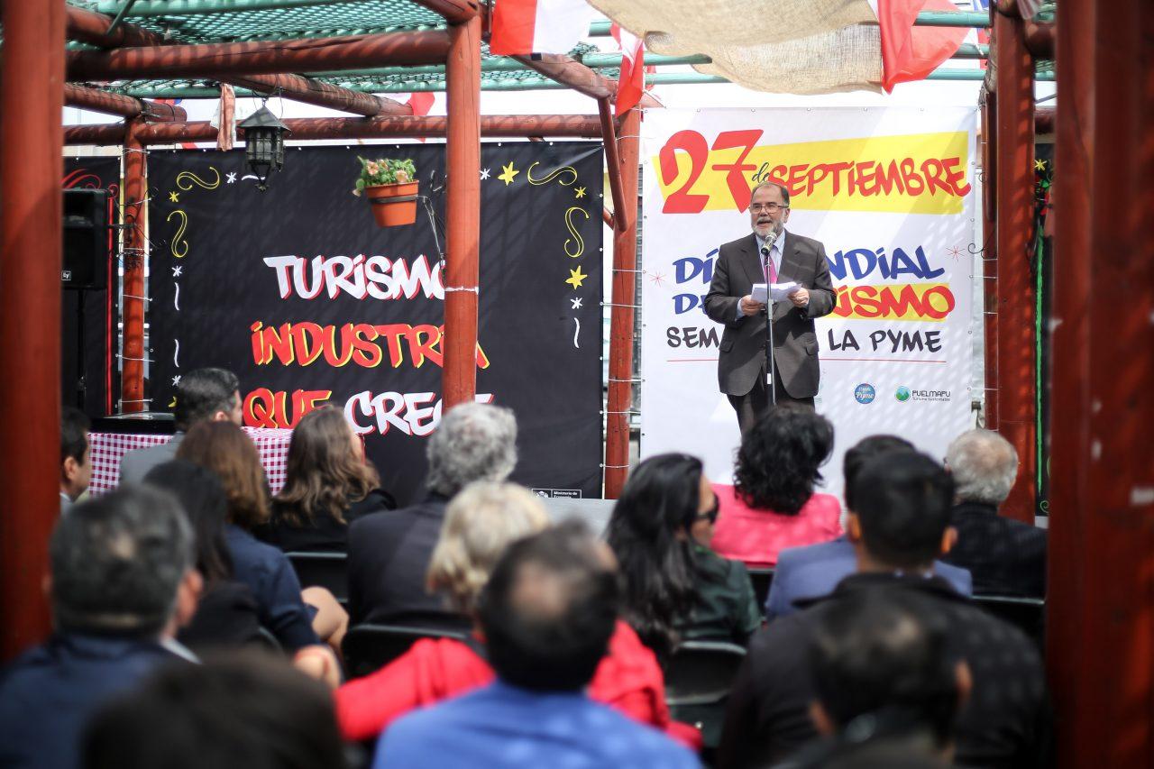 """Ministro Rodríguez: """"El turismo es una de las industrias más dinámicas del país"""""""