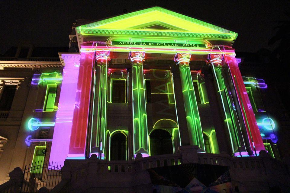 Santiago se ilumina con inédito festival de luces