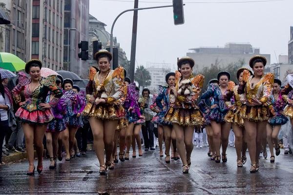 3000 personas llenarán de color la segunda versión de Santiago es Carnaval