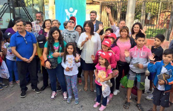 Familias de La Pintana salen de vacaciones gracias al programa Turismo Familiar