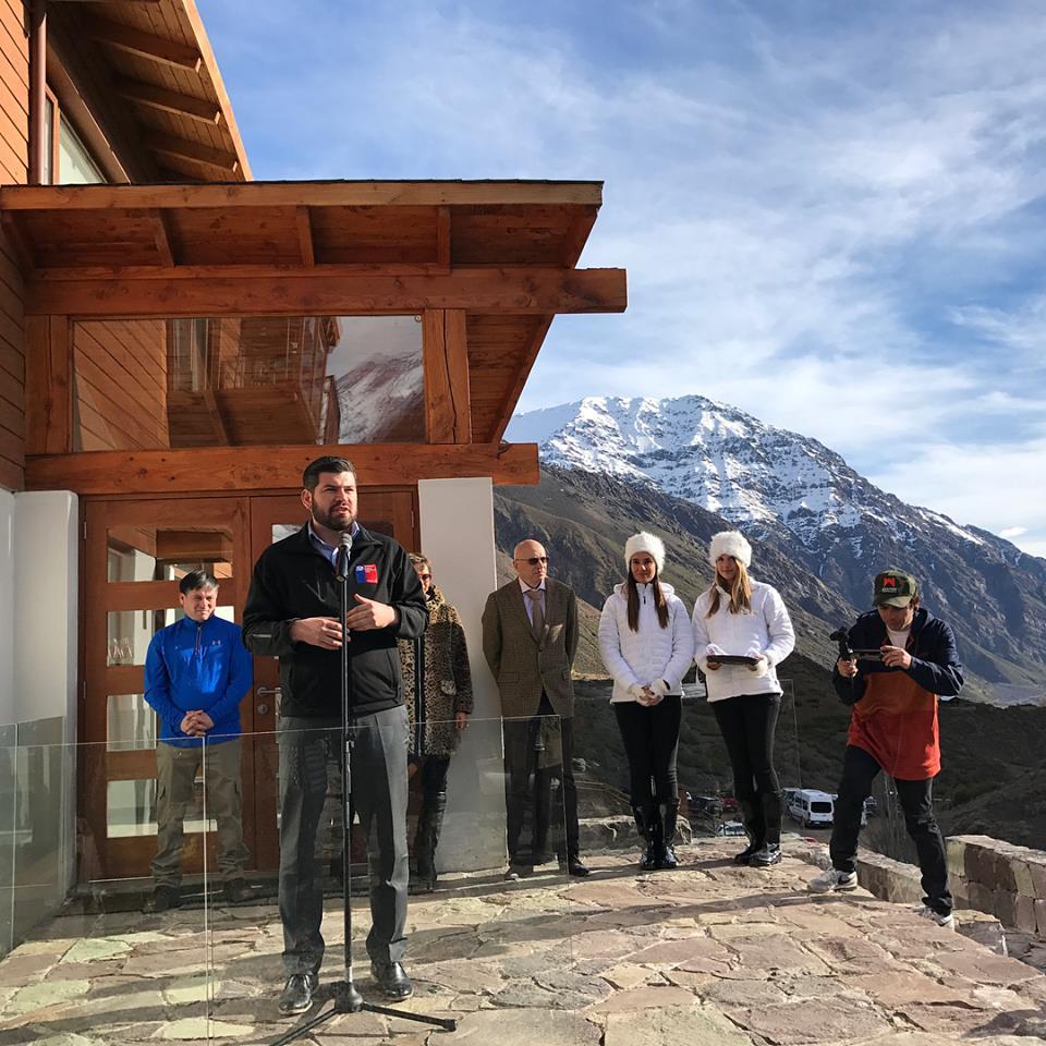 Director regional Felipe Vásquez participó de la inauguración de El Morado Mountain Lodge