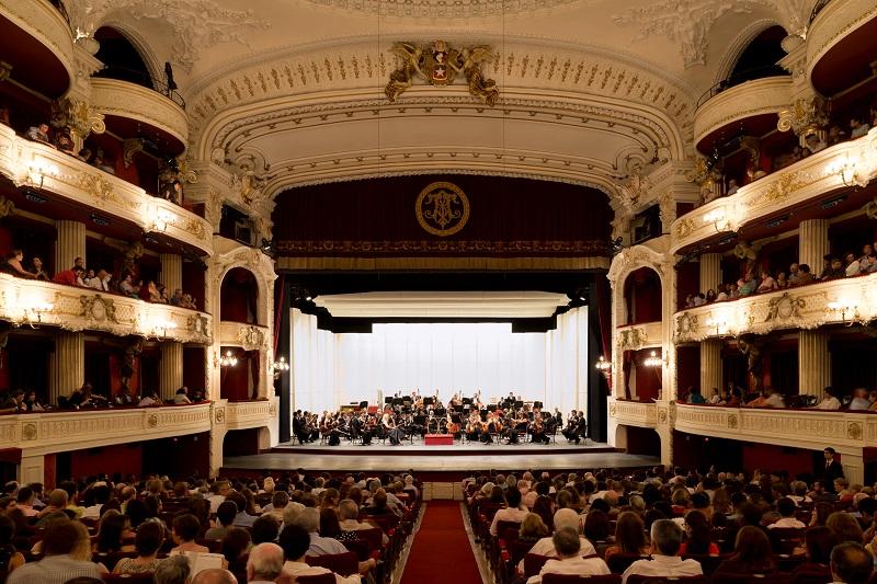 Tras bambalinas en el Teatro Municipal